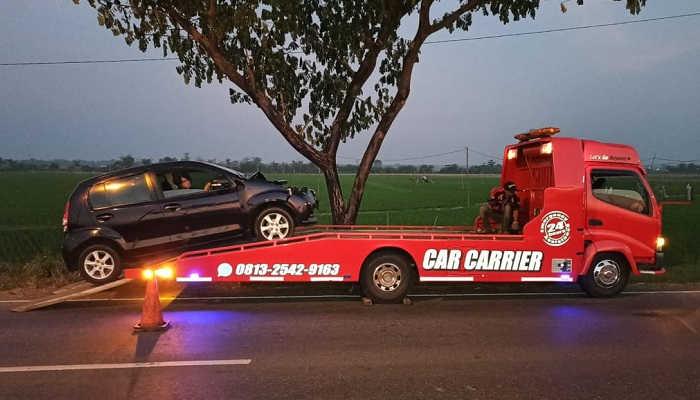 Jasa Mobil Derek Towing Car Demak