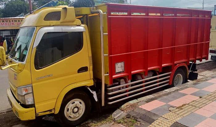 Sewa Truk Jasa Angkutan Barang Di Cilacap